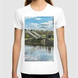Bridge 221 On The Oxford Canal T-shirt
