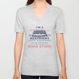 I'M A BOOKAHOLIC Unisex V-Neck