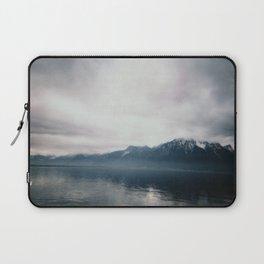 Brume sur Montreux Laptop Sleeve
