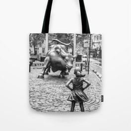 Fearless Girl & Charging Bull in the rain Tote Bag