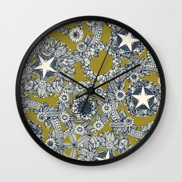 cirque fleur jalapeno Wall Clock