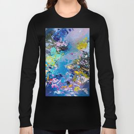 Strangers in space Long Sleeve T-shirt