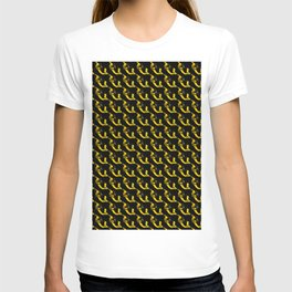 YELLOW AND BLACK CHAINLINK PATTERN FOR GROOVY PEEPS T-shirt