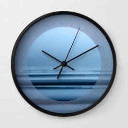 mon coeur Wall Clock