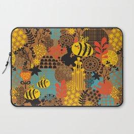 The bee. Laptop Sleeve