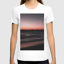 Sunset Shades of Magenta Beach Ocean Seascape Landscape Coastal Wall Art Print T-shirt