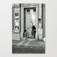 Paris, ringing the door bell Canvas Print