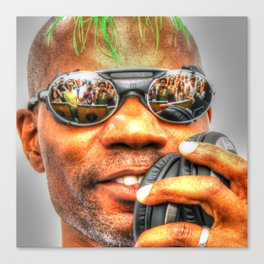 GREEN VELVET - CAMERAS READY..... Canvas Print