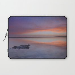 """Purple reflections at the sea"". Bolonia Laptop Sleeve"