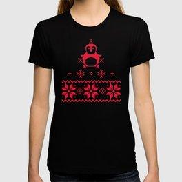 Red Scandinavian Penguin Holiday Design T-shirt