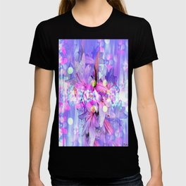LILY IN LILAC AND LIGHT T-shirt
