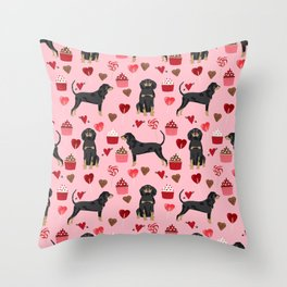 Coonhound love cupcakes hearts valentines day cute dog breed gifts for coonhounds Throw Pillow