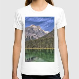 Emerald Lake mountains forest Yoho National Park British Columbia Canada T-shirt