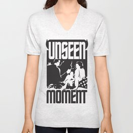 UNSEEN MOMENTS Unisex V-Neck