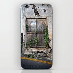 Passage secret iPhone Skin
