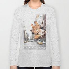 Selfie Giraffe in New York Long Sleeve T-shirt