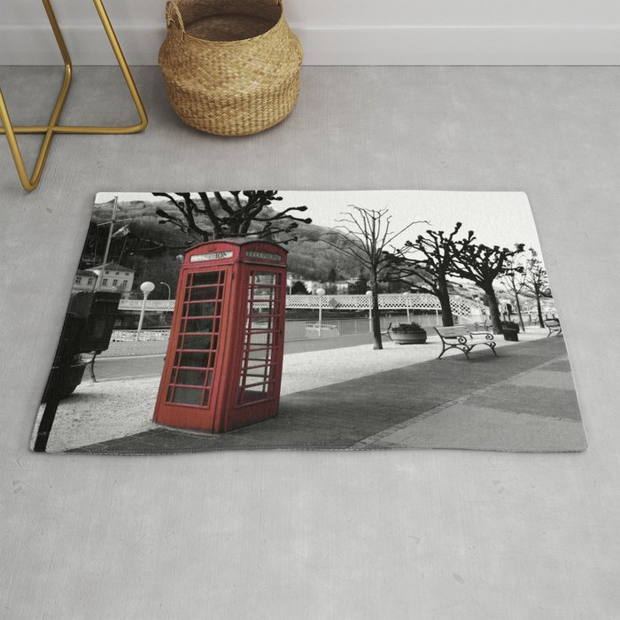 old English phone booth in colorkey Rug by tanjariedel