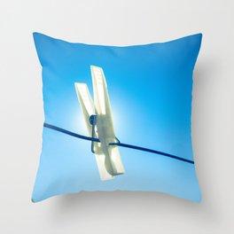 Eclipse de pinza Throw Pillow