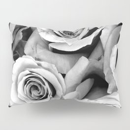 Black and White Roses Pillow Sham