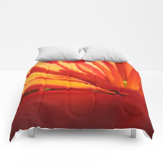Red Stamen 86 Comforters
