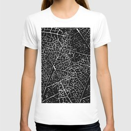 Black and white leaf pattern T-shirt