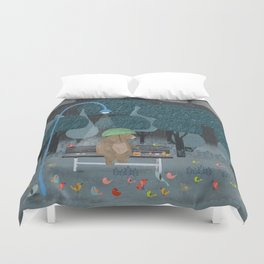 feeding the birds Duvet Cover