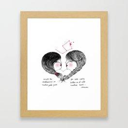 Amor enredado Framed Art Print