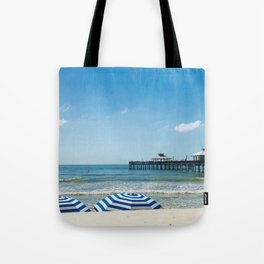 """Fort Myers Beach Umbrellas"" Photography by Willowcatdesigns Tote Bag"
