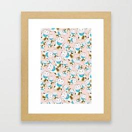 Maneki-neko good luck cat pattern Framed Art Print