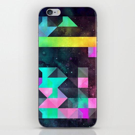 hyppy f'xn rysylyxxn iPhone Skin