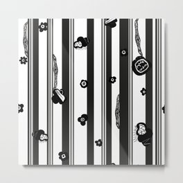 Exaggerated Stripe With Black Metal Print