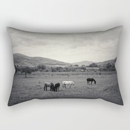 HORSE'S VALLEY Rectangular Pillow