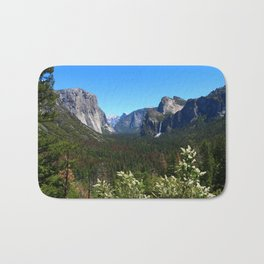 Bridal Veil Falls From Tunnel View Point - Yosemite Valley Bath Mat