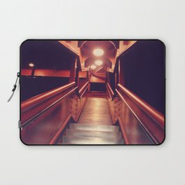 26 (Fe)et Closer Laptop Sleeve