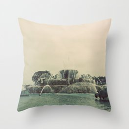 Buckingham Fountain Chicago Throw Pillow
