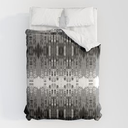 Laced rows of abstract city skyline Comforters