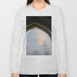 First View of Taj Mahal through the Morning Mist Long Sleeve T-shirt