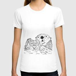 Otter in love T-shirt