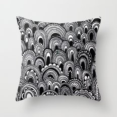 black and white scallops Throw Pillow