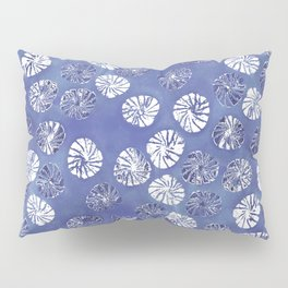 Abstract botanical monstera palm leaf pattern - classic blue Pillow Sham