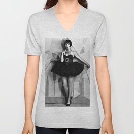 Louise Brooks, The Girl That Danced the Charleston, Jazz Age Flapper black and white photography - photographs wall decor Unisex V-Neck