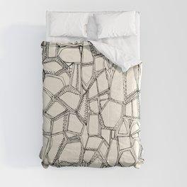 BROKEN black off white Comforters
