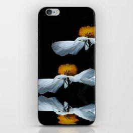 Anemonenflug iPhone Skin