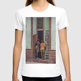 Niños en la habana T-shirt
