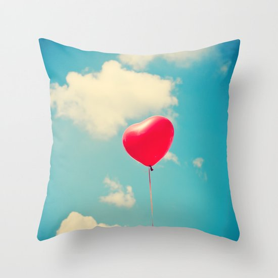 Love is in the air (Red Heart Balloon on a Retro Blue Sky) Throw Pillow