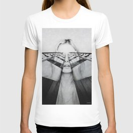 Lost in reverie ... T-shirt
