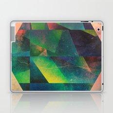 2 hyx Laptop & iPad Skin
