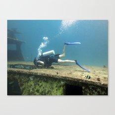 underwater diver scuba swim  Canvas Print
