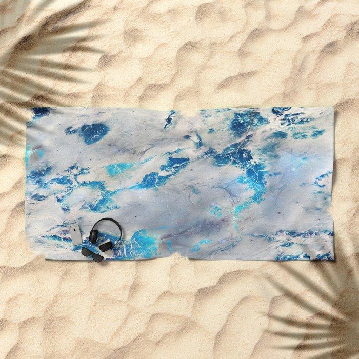 Linnutee Beach Towel