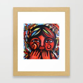 Boy con miedo Framed Art Print